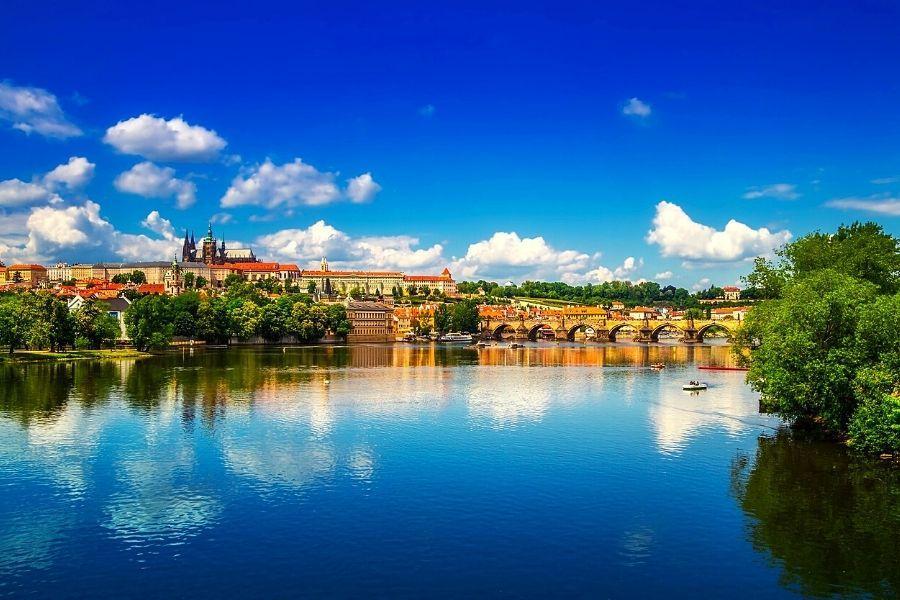 PRAGA NA TRZY SPOSOBY Praga
